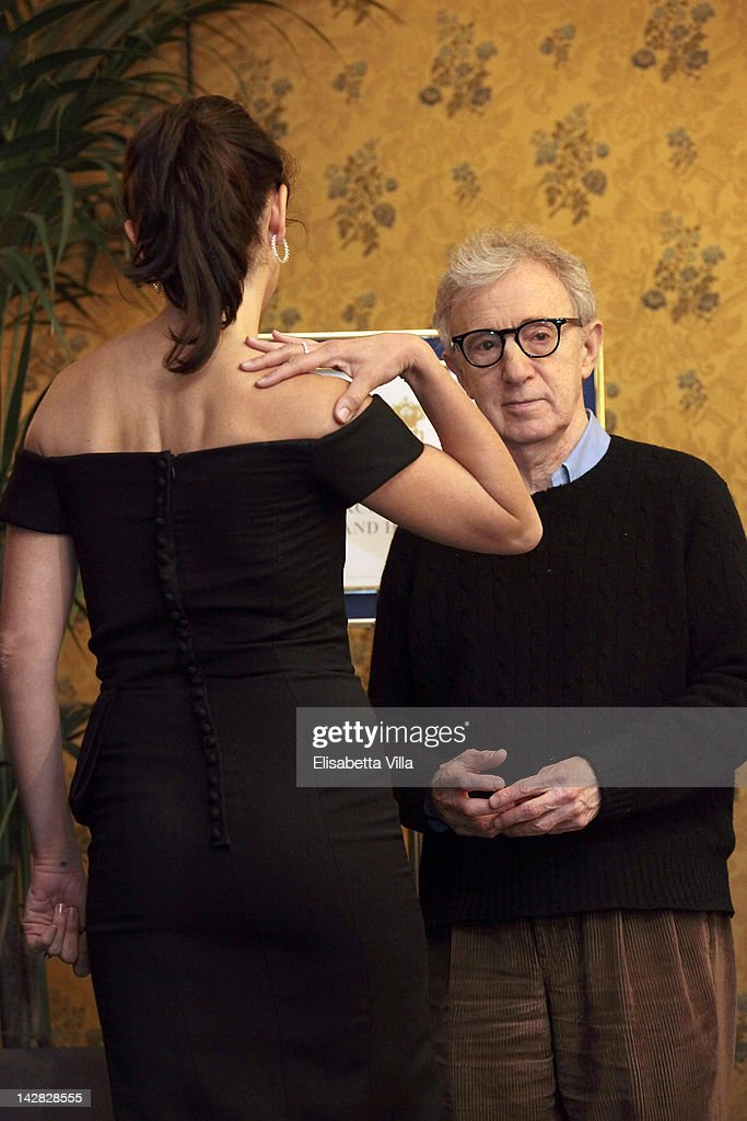 Director <a gi-track='captionPersonalityLinkClicked' href=/galleries/search?phrase=Woody+Allen&family=editorial&specificpeople=202886 ng-click='$event.stopPropagation()'>Woody Allen</a> (R) and actress Penelope Cruz attend 'To Rome With Love' photocall at Hotel Parco dei Principi on April 13, 2012 in Rome, Italy.