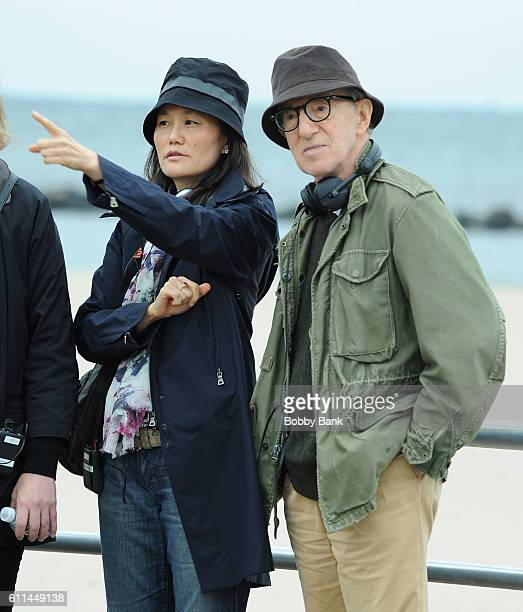 Director Woody Allen and SoonYi Previn on the set of the 'Untitled Woody Allen Project' on September 29 2016 in Brooklyn New York