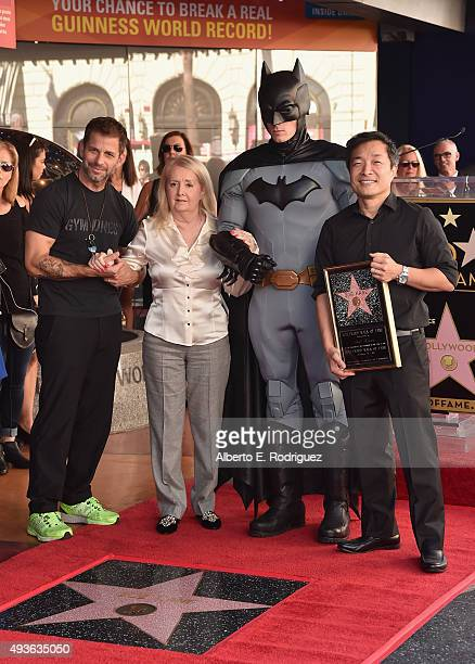 Director Zack Snyder Elizabeth Kane Batman and DC Entertainment coPublisher/Comicbook Artist Jim Lee attend a ceremony honoring Batman creator Bob...