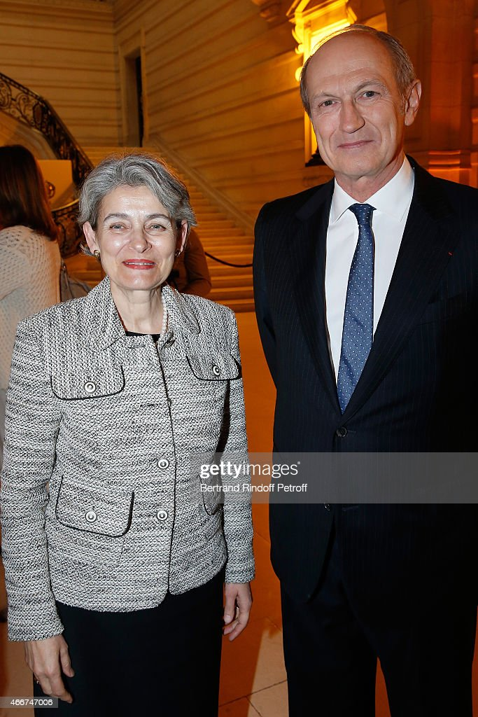 Director-General of UNESCO <a gi-track='captionPersonalityLinkClicked' href=/galleries/search?phrase=Irina+Bokova&family=editorial&specificpeople=6324408 ng-click='$event.stopPropagation()'>Irina Bokova</a> and Chairman & Chief Executive Officer of L'Oreal and Chairman of the L'Oreal Foundation Jean-Paul Agon attend the 'L'Oreal-UNESCO Awards 2015 for Women in Science at La Sorbonne on March 18, 2015 in Paris, France.