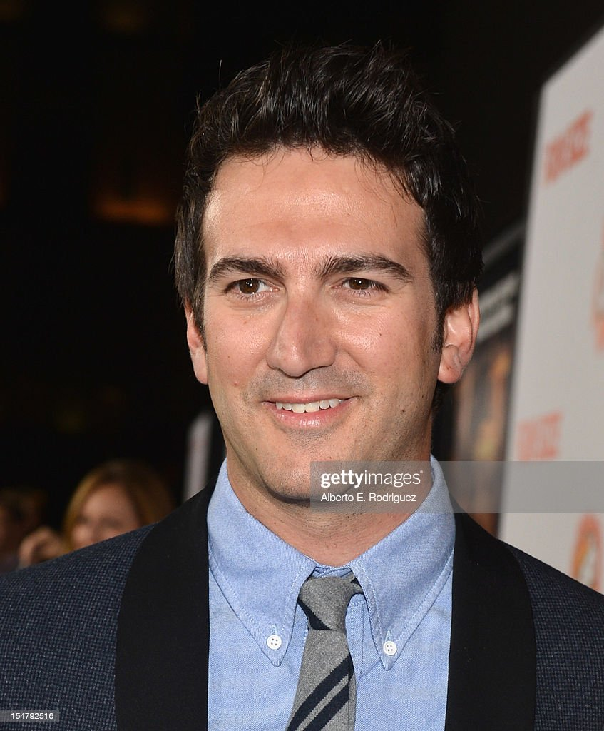Director/producer <a gi-track='captionPersonalityLinkClicked' href=/galleries/search?phrase=Josh+Schwartz&family=editorial&specificpeople=221328 ng-click='$event.stopPropagation()'>Josh Schwartz</a> arrives to the premiere of Paramount Pictures' 'Fun Size' at Paramount Theater on the Paramount Studios lot on October 25, 2012 in Hollywood, California.
