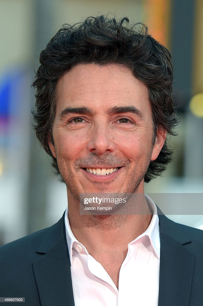 Director/producer Shawn Levy arrives at the premiere of Warner Bros. Pictures' 'This Is Wher... Show more - directorproducer-shawn-levy-arrives-at-the-premiere-of-warner-bros-picture-id455507500