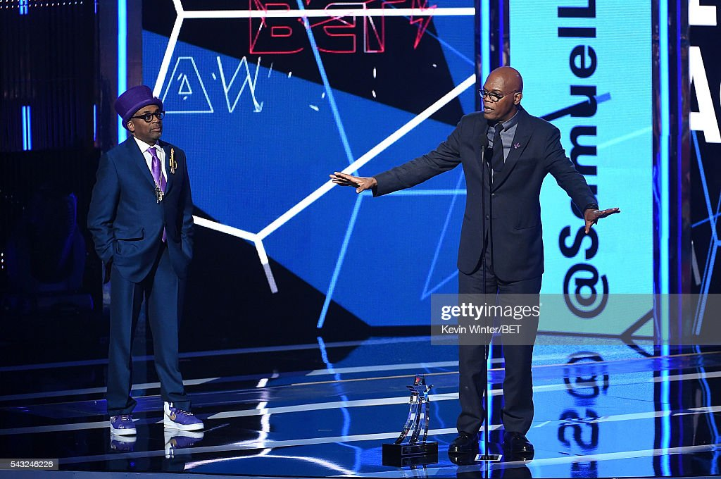 Director/producer <a gi-track='captionPersonalityLinkClicked' href=/galleries/search?phrase=Spike+Lee&family=editorial&specificpeople=156419 ng-click='$event.stopPropagation()'>Spike Lee</a> (L) presents the Lifetime Achievement Award to honoree <a gi-track='captionPersonalityLinkClicked' href=/galleries/search?phrase=Samuel+L.+Jackson&family=editorial&specificpeople=167234 ng-click='$event.stopPropagation()'>Samuel L. Jackson</a> onstage during the 2016 BET Awards at the Microsoft Theater on June 26, 2016 in Los Angeles, California.