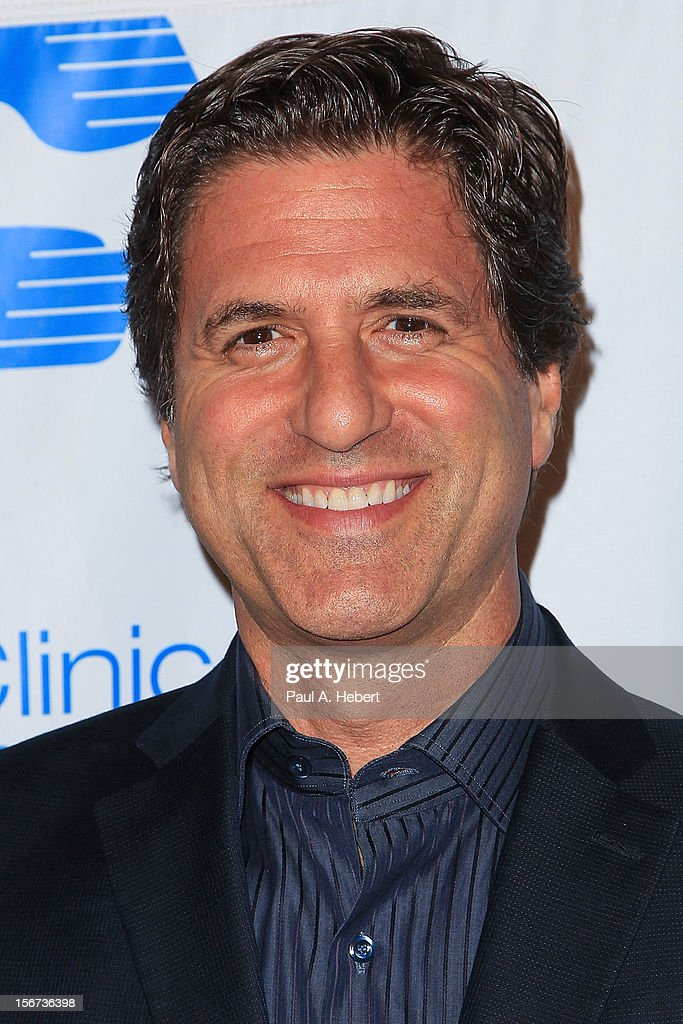 Director/screenwriter/producer <a gi-track='captionPersonalityLinkClicked' href=/galleries/search?phrase=Steven+Levitan&family=editorial&specificpeople=3219544 ng-click='$event.stopPropagation()'>Steven Levitan</a> arrives at The Saban Free Clinic's Gala Honoring ABC Entertainment Group President Paul Lee and Bob Broder at The Beverly Hilton Hotel on November 19, 2012 in Beverly Hills, California.