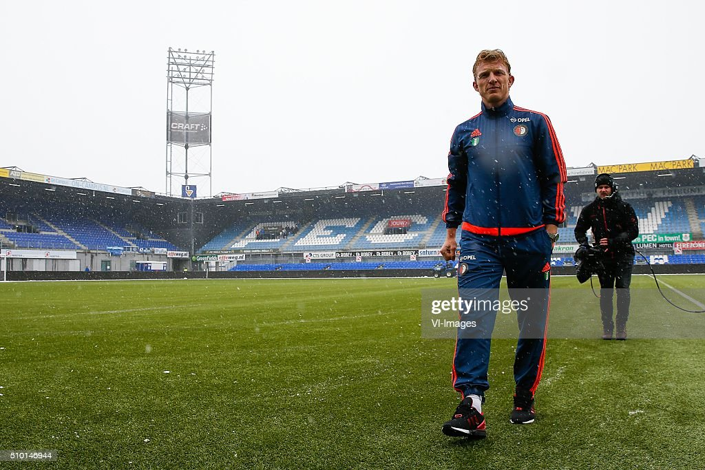 Dirk Kuyt of Feyenoord during the Dutch Eredivisie match between PEC Zwolle and Feyenoord Rotterdam at the IJsseldelta stadium on February 14, 2016 in Zwolle, The Netherlands