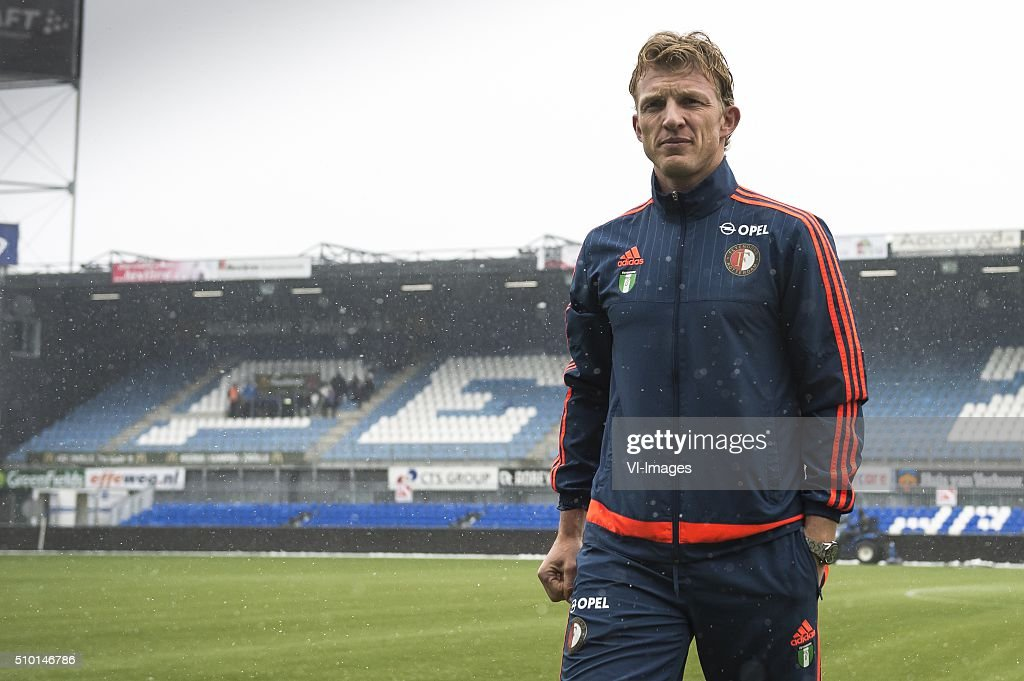 Dirk Kuyt of Feyenoord looking at the pitch during the Dutch Eredivisie match between PEC Zwolle and Feyenoord Rotterdam at the IJsseldelta stadium on February 14, 2016 in Zwolle, The Netherlands