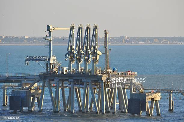 LNG discharging terminal