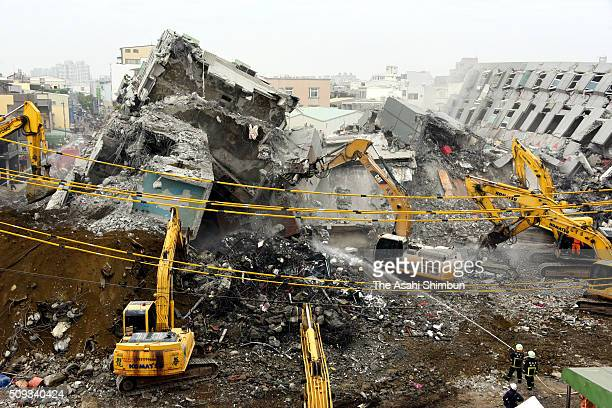 Dismantling work of the collapsed building continues on February 10 2016 in Tainan Taiwan A strong magnitude 64 earthquake hit Southern Taiwan on...