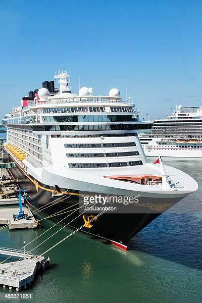 Disney reproducido en cruceros de Puerto Cañaveral, Florida