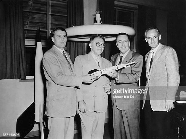 Disney Walt Producer Magnate USA from the left Wernher von Braun Willy Ley Disney and Professor Heinz Haber in preparation for the Disney documentary...