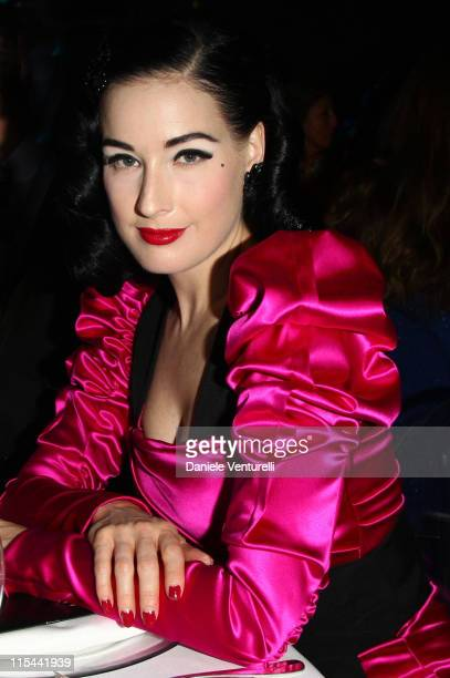 Dita Von Teese attends amfAR Milano 2009 Dinner the Inaugural Milan Fashion Week event at La Permanente on September 28 2009 in Milan Italy