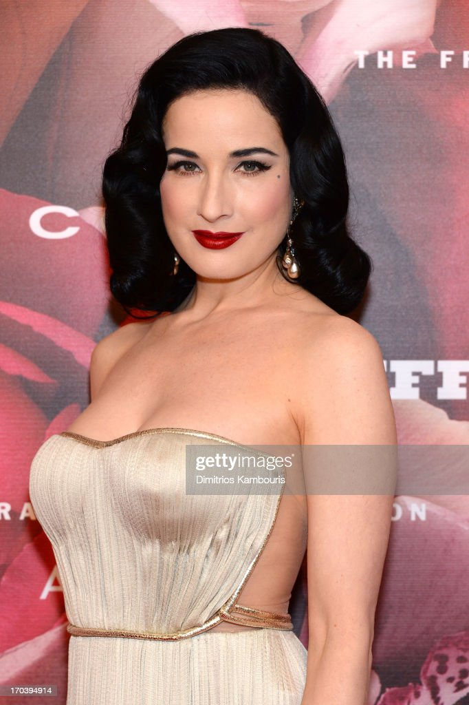 <a gi-track='captionPersonalityLinkClicked' href=/galleries/search?phrase=Dita+Von+Teese&family=editorial&specificpeople=210578 ng-click='$event.stopPropagation()'>Dita Von Teese</a> attends the 2013 Fragrance Foundation Awards at Alice Tully Hall at Lincoln Center on June 12, 2013 in New York City.
