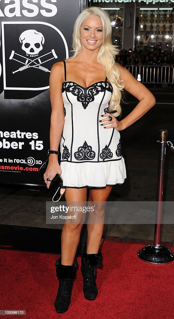 Diva Maryse Ouellet arrives at the Los Angeles Premiere 'Jackass 3D' at Grauman's Chinese Theatre on October 13, 2010 in Hollywood, California.