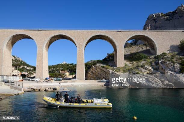 Divers at La Vesse Calanque west of Marseille