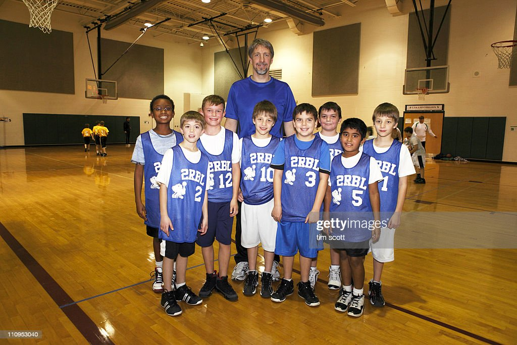 Diverse boys basketball team, portrait in gym : Stock Photo