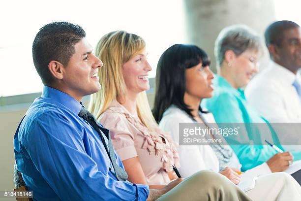 Diverse Geschäft Personen in Konferenz oder Seminar