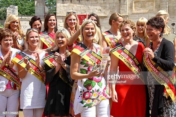 Diverse Missen von 19572013 Irene Neumann Brigitte Lüssem Anja HörnichClüver Nicole Kusch Leticia Koffke Ines Klemmer 'Das große Miss GermanyTreffen'...