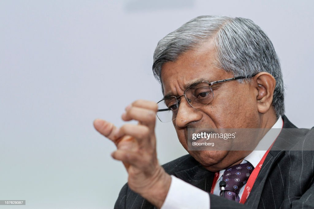 Diwakar Gupta, managing director and chief financial officer of State Bank of India Ltd. (SBI), gestures as he speaks during the PwC CFO Conclave in Mumbai, India, on Wednesday, Dec. 5, 2012. The mode of the 40 billion rupee capital infusion to be received by SBI in March is to be decided by the government, Gupta said. Photographer: Dhiraj Singh/Bloomberg via Getty Images