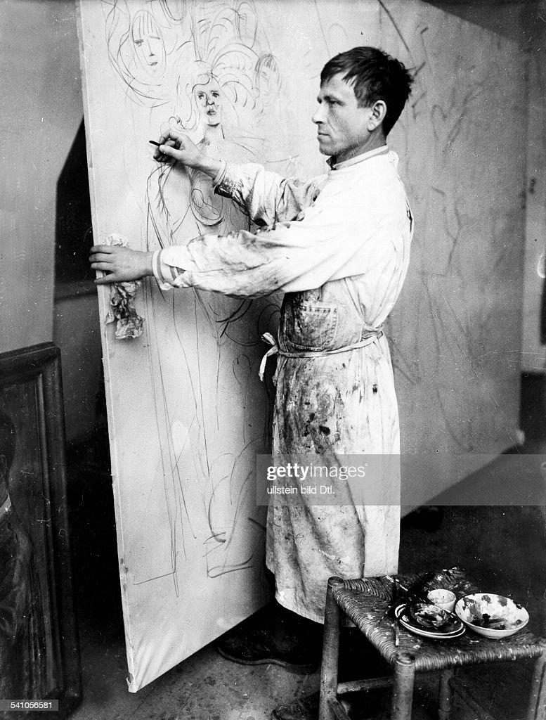 Dix, Wilhelm Heinrich Otto *02.12.1891-+Painter, Tracer, D - in his studio in Dresden, 1927.