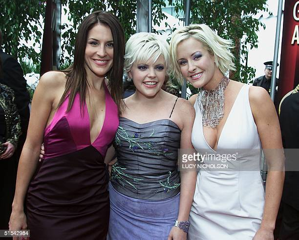 Dixie Chicks singers Emily Natalie and Martha pose as they arrive at the 42nd Annual Grammy Awards 23 February 2000 in Los Angeles 23 February 2000...