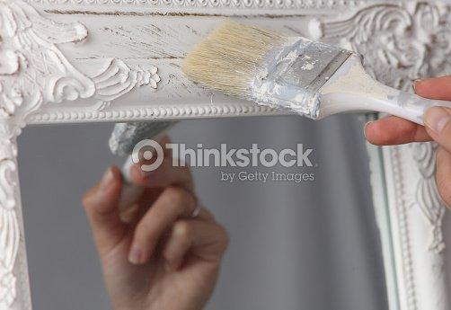 Diyfrau Malen Spiegelrahmen Zu Hause Zu Erneuern Stock Foto Thinkstock