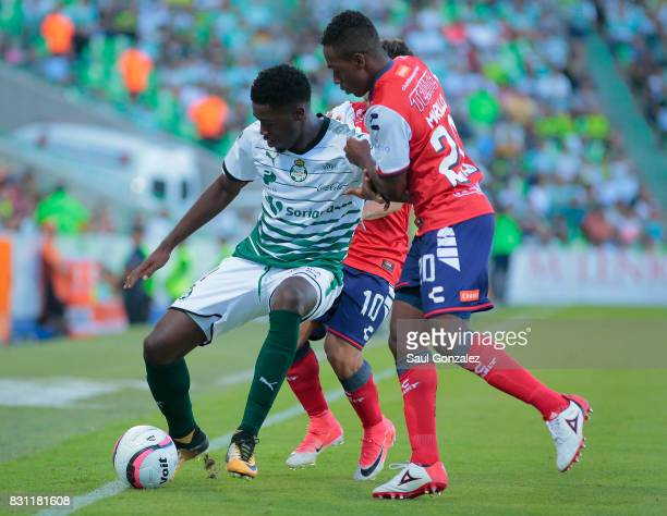 Djaniny Tavares of Santos and Jefferson Murillo Veracruz fight for the ball during the 4th round match between Santos Laguna and Veracruz as part of...