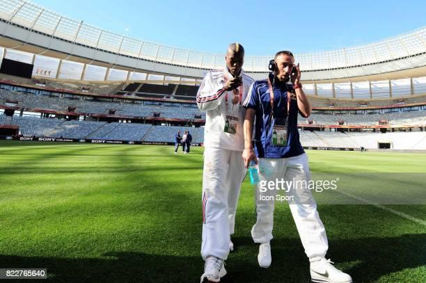 Djibril CISSE / Frank RIBERY Reconnaissance du terrain avant le match contre l'Uruguay Green Point Stadium Le Cap