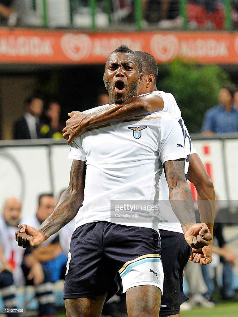 Djibril Cisse of SS Lazio celebrates scoring his team's second goal during the Serie A match between AC Milan and SS Lazio at Stadio Giuseppe Meazza on September 9, 2011 in Milan, Italy.