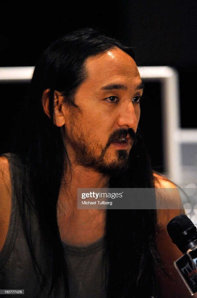 Producer Steve Aoki is interviewed at an 'Up Close & Personal with Steve Aoki and Kaskade' Q&A session for GRAMMY U Los Angeles at Los Angeles Film School on September 25, 2012 in Los Angeles, California.