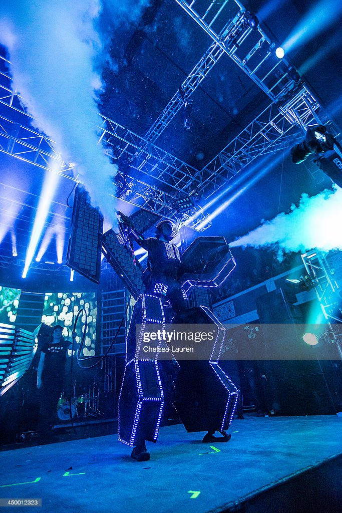 DJ/producer <a gi-track='captionPersonalityLinkClicked' href=/galleries/search?phrase=Steve+Aoki&family=editorial&specificpeople=732001 ng-click='$event.stopPropagation()'>Steve Aoki</a> performs during the Aokify America tour at The Shrine Expo Hall on November 15, 2013 in Los Angeles, California.