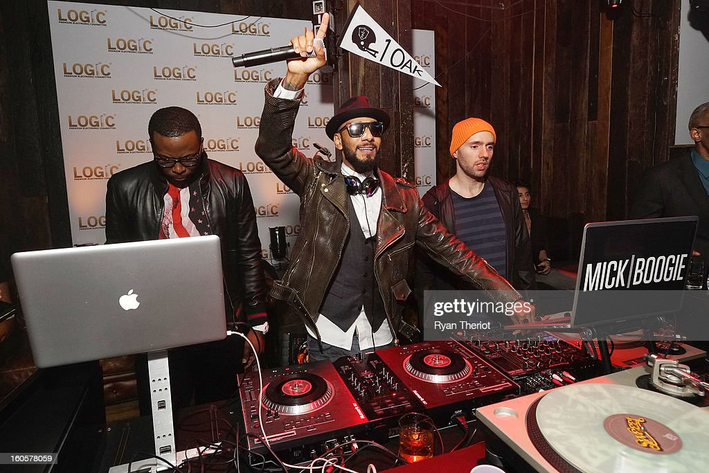 DJs <a gi-track='captionPersonalityLinkClicked' href=/galleries/search?phrase=Swizz+Beatz&family=editorial&specificpeople=567154 ng-click='$event.stopPropagation()'>Swizz Beatz</a> (L) and <a gi-track='captionPersonalityLinkClicked' href=/galleries/search?phrase=Mick+Boogie&family=editorial&specificpeople=4640369 ng-click='$event.stopPropagation()'>Mick Boogie</a> perform at 1 OAK New Orleans Presented By LOGIC Electronic Cigarettes at Jax Brewery on February 2, 2013 in New Orleans, Louisiana.