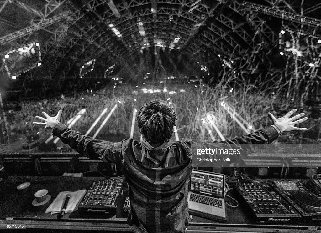 DJs <a gi-track='captionPersonalityLinkClicked' href=/galleries/search?phrase=Zedd+-+Musician&family=editorial&specificpeople=5830568 ng-click='$event.stopPropagation()'>Zedd</a> performs onstage during day 2 of the 2014 Coachella Valley Music & Arts Festival at the Empire Polo Club on April 19, 2014 in Indio, California.