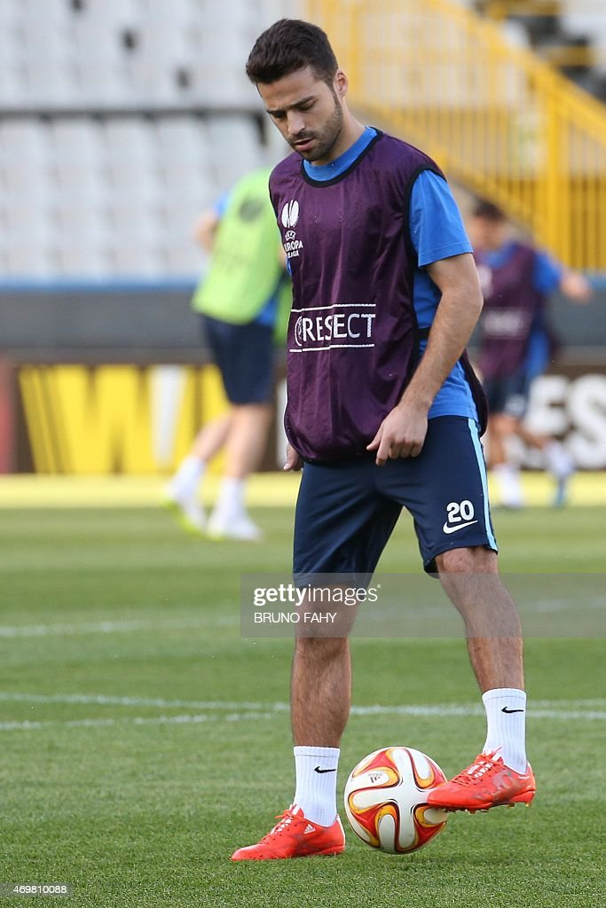 Dnipro's midfielder <a gi-track='captionPersonalityLinkClicked' href=/galleries/search?phrase=Bruno+Gama&family=editorial&specificpeople=2251634 ng-click='$event.stopPropagation()'>Bruno Gama</a> takes part in a training session at the Jan Breydel Stadium in Bruges on April 15, 2015, on the eve of the UEFA Europa league quarter-final first leg football match Brugge vs Dnipro.