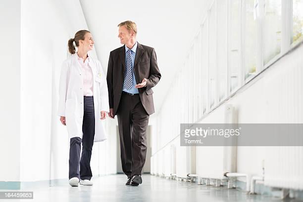 Médico y HOMBRE