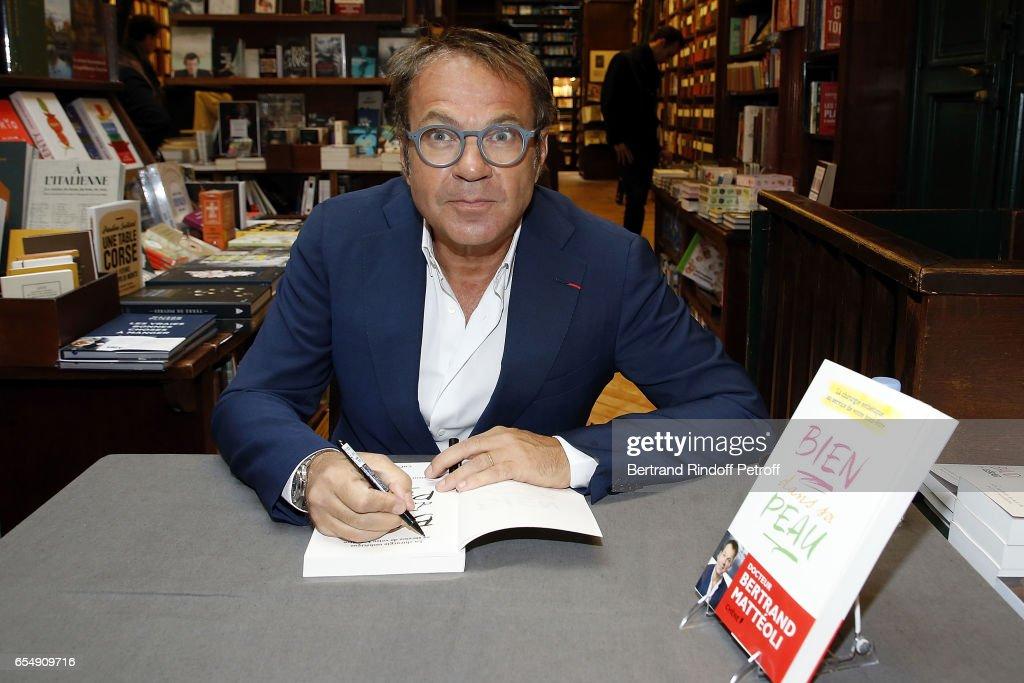 Doctor Bertrand Matteoli attends Bertrand Matteoli Signing Book 'Bien Dans Sa Peau' at Librairie Galignali on March 18, 2017 in Paris, France.