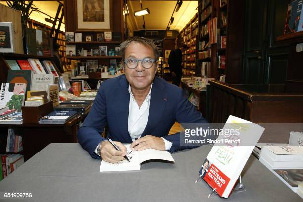 Doctor Bertrand Matteoli attends Bertrand Matteoli Signing Book 'Bien Dans Sa Peau' at Librairie Galignali on March 18 2017 in Paris France