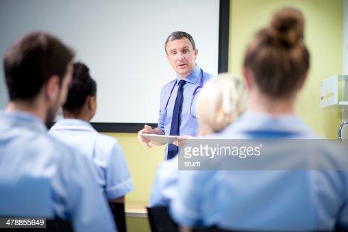Medico briefing nursing students