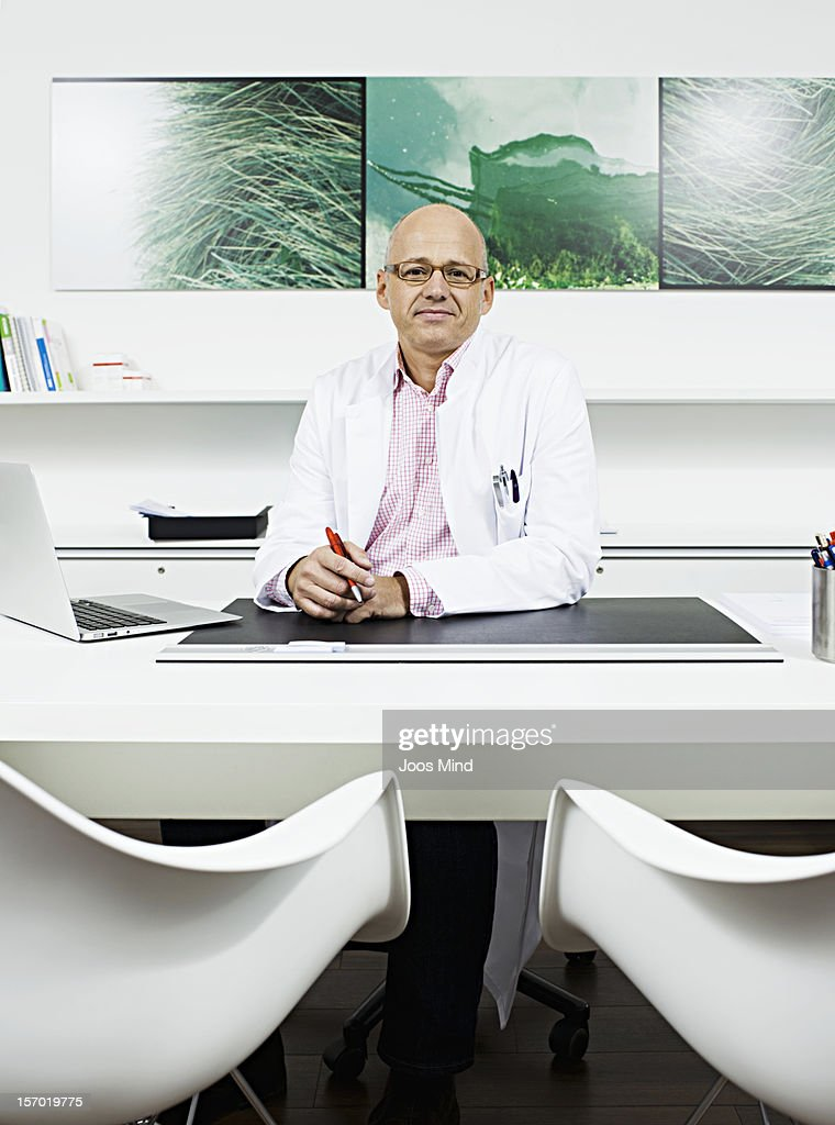 doctor in office, portrait : Stock Photo