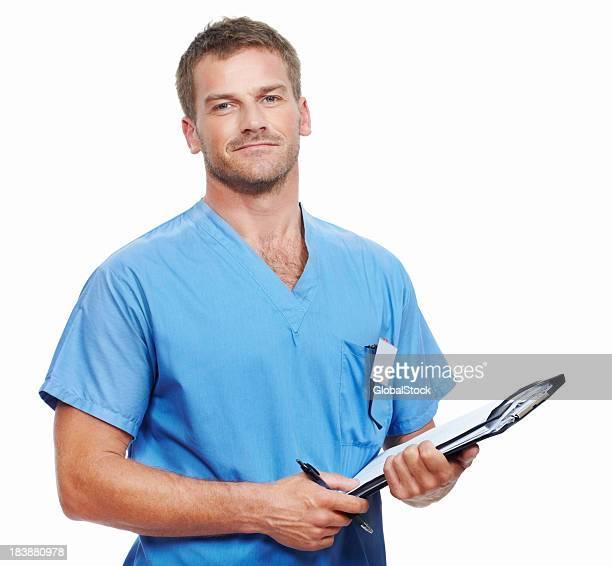 Médico con los informes médicos