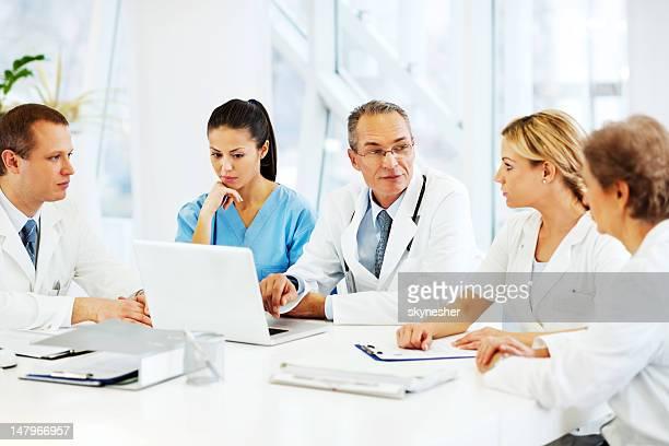 I medici a collaborare con caso medico.