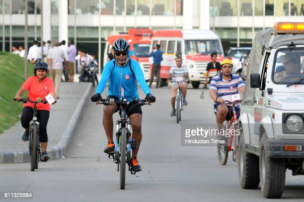 Doctors of a private hospital and Gurgaon Police hold a Cyclethon on Mission Stop Dengue on July 9 2017 in Gurgaon India The rally starting from...