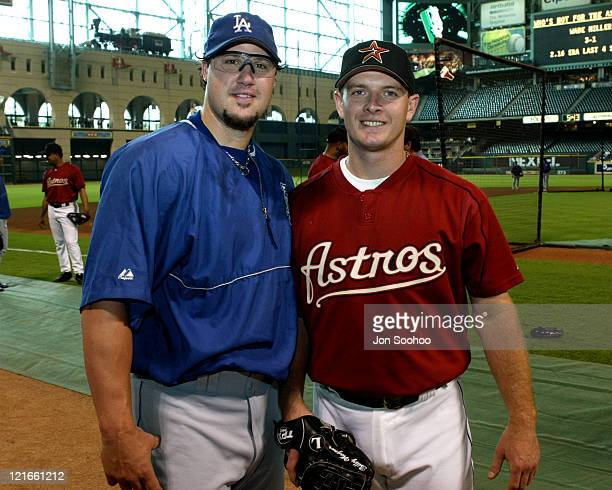 Dodger closer Eric Gagne with Astros closer Billy Wagner at pregame