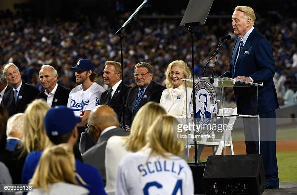 Dodgers announcer Vin Scully addresses the crowd during a retirement ceremony in his honor before the game at Dodger Stadium on September 23 2016 in...