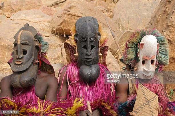 Dogon danseurs jaune, trois masques de l'homme