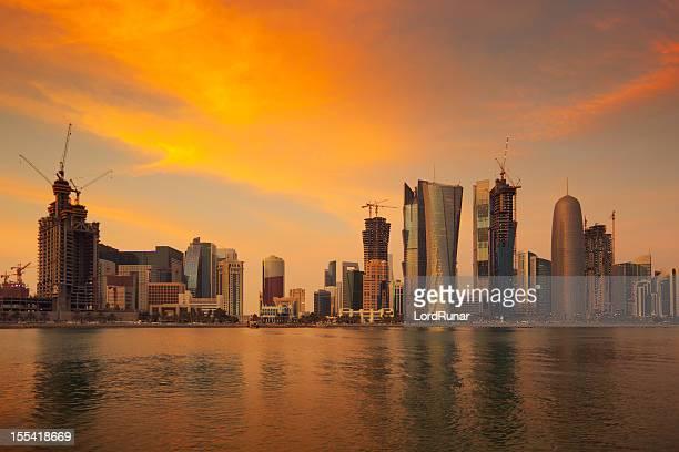 Doha skyline bei Sonnenuntergang