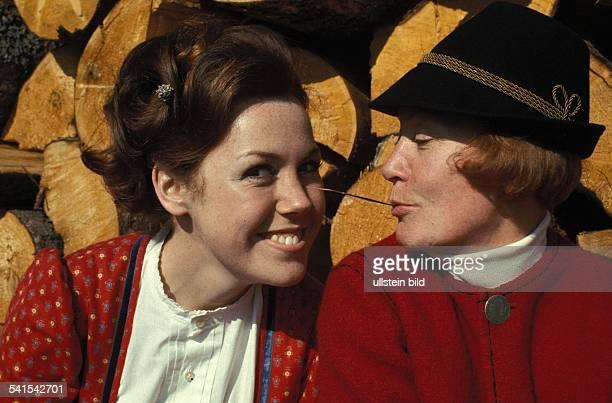 Dohm Gaby *Schauspielerin D mit ihrer Mutter Schauspielerin Heli Finkenzeller 1968