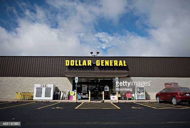 A Dollar General store stands in Colona Illinois US on Wednesday Sept 10 2014 Dollar General Corp spurned twice in attempts to buy Family Dollar...