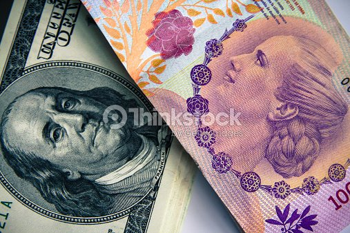 Dólar Vs Pesos Argentino Foto De Stock