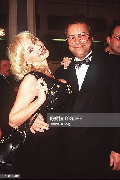 Dolly Buster und Dino Baumberger Bei 'Wahre Liebe Gala' 301195 Hamburg AidsGala Aids