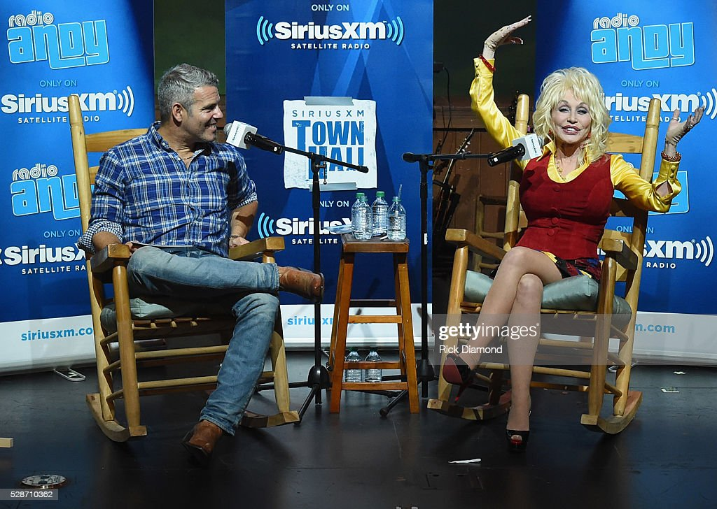 Dolly Parton Answers Questions During SiriusXM's Town Hall ...